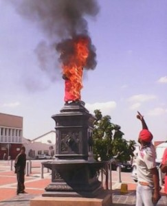 """War memorial statue in Uitenhage 'necklaced'"" http://www.thetruthaboutsouthafrica.org/south-africa/war-memorial-statue-in-uitenhage-necklaced/"